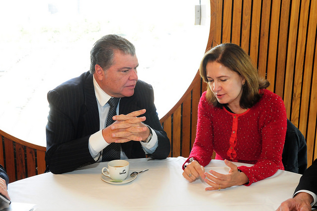 Ministro debate economia de baixo carbono