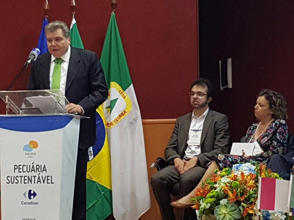Ministro discute pecuária sustentável