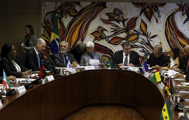 Países lusófonos debatem acesso à água