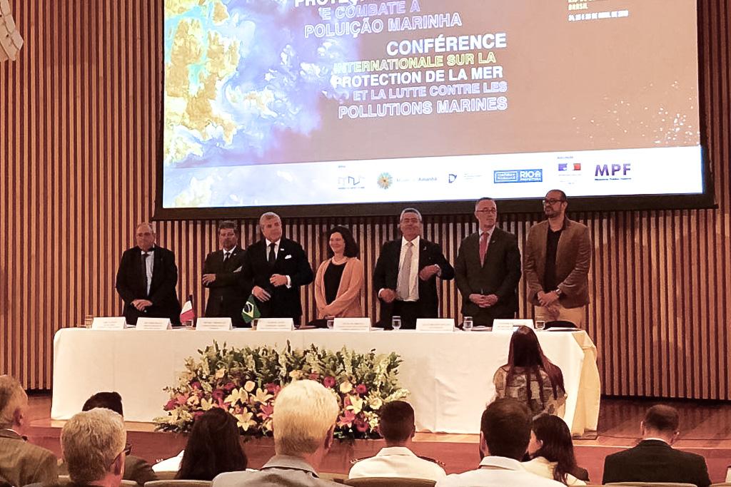 Brasil e França debatem proteção do mar
