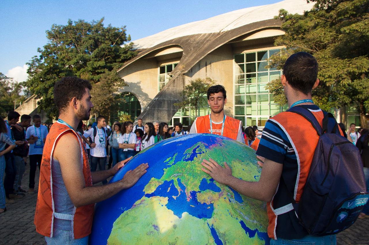 Conferência tem jovens unidos pela água